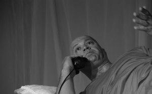 """O ator Geraldo Machado na peça """"Fogo Cruel"""""""